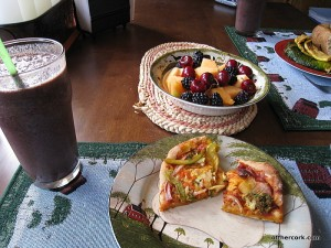 Smoothie, pizza, fruit