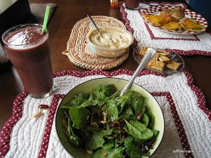 Salad, smootie and crackers