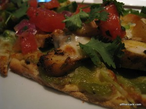 Avocado chicken flatbread