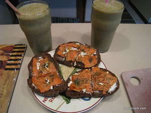 Smoothie and smoked salmon