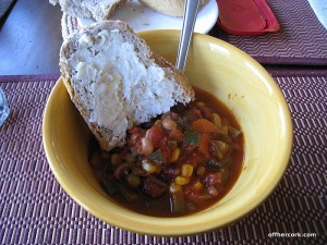 Chili with bread and butter