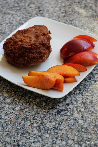 Fried chicken and nectarine slices