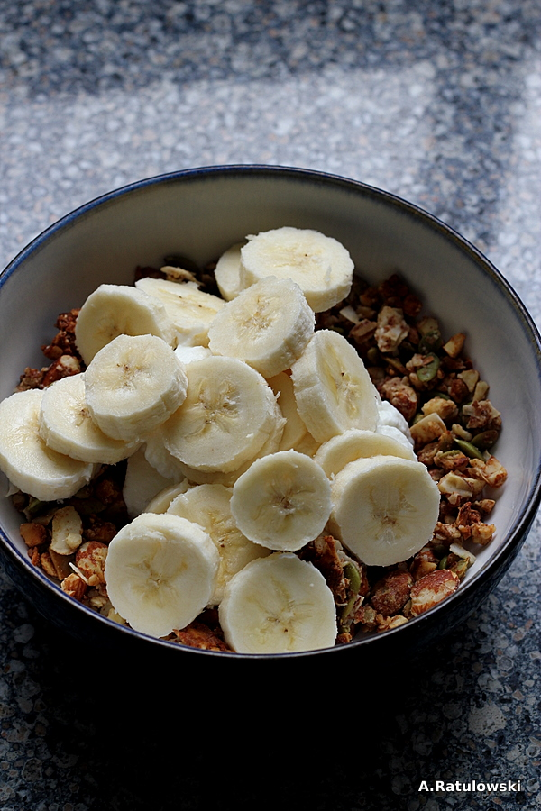 bananas and grain free granola