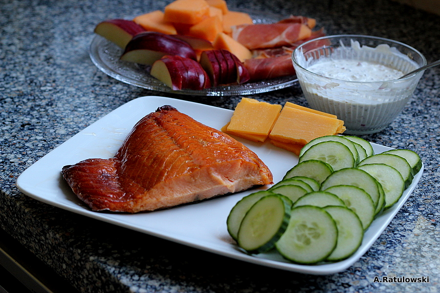 smoked salmon snack plate