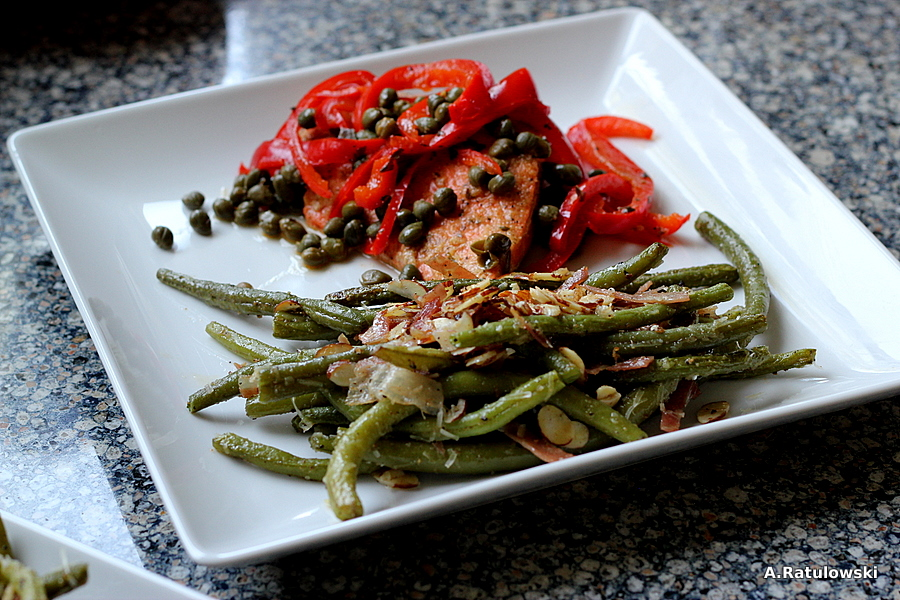 Salmon and green beans