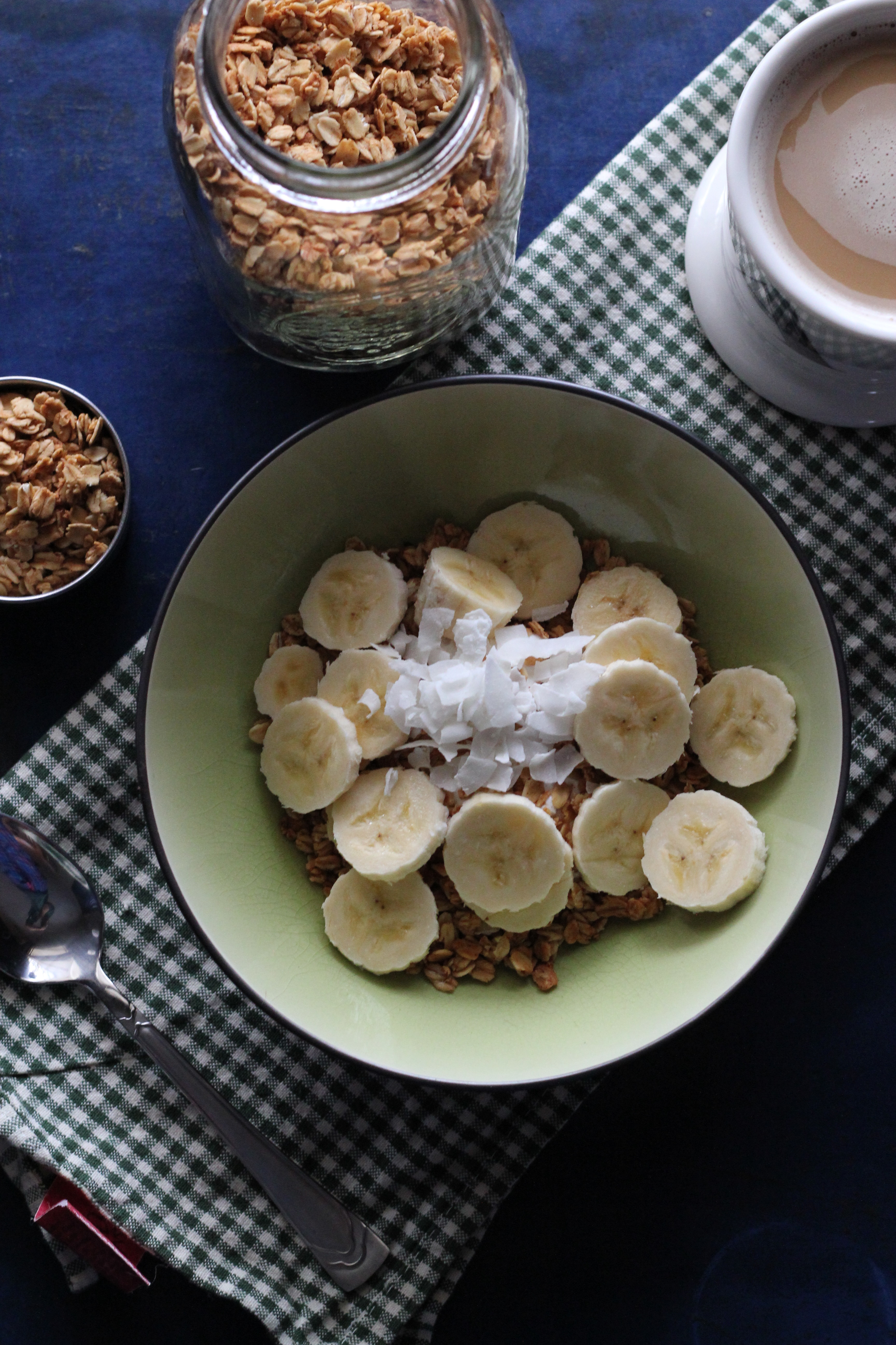 greek yogurt, granola, banana