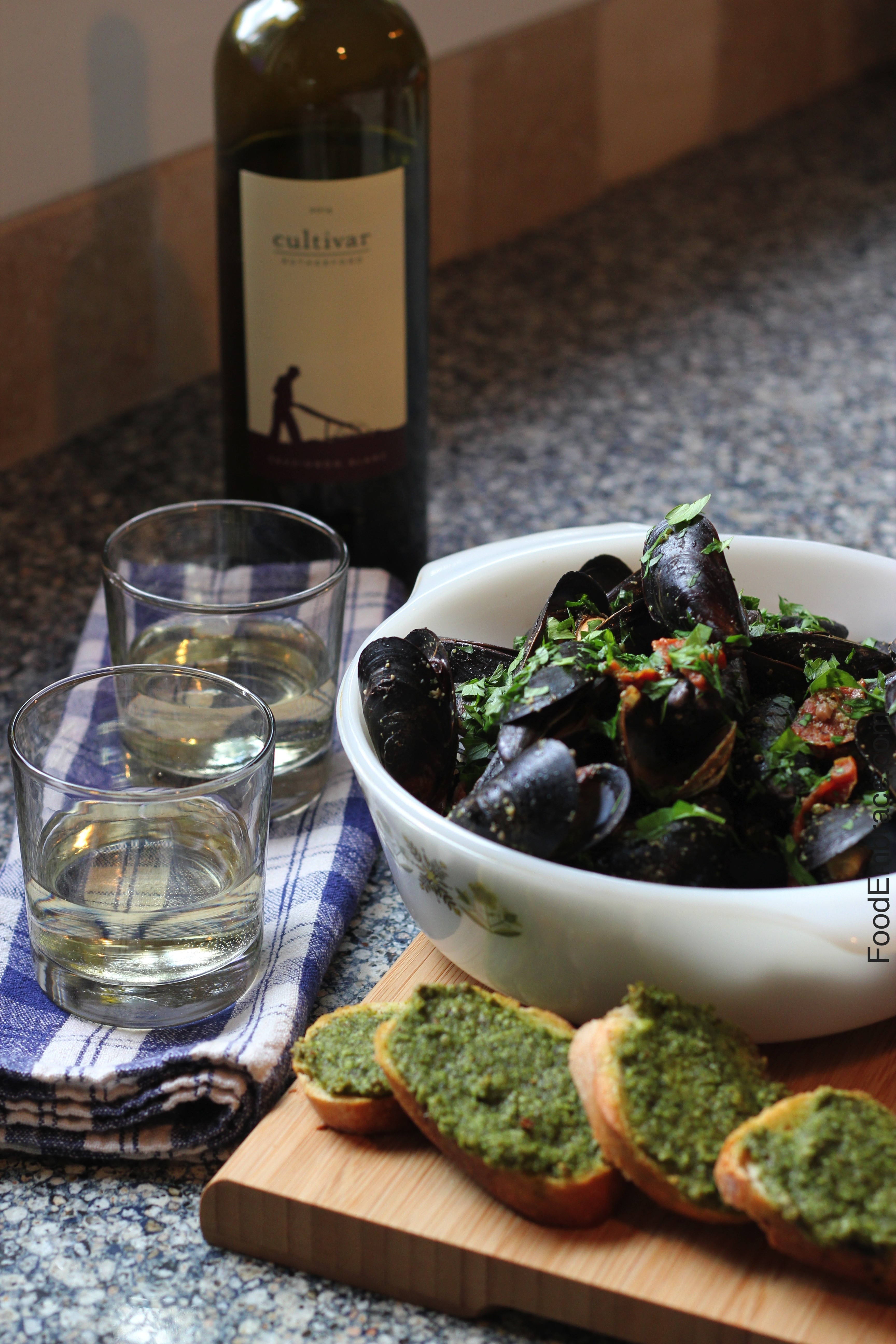 Mussels with 2014 Cultivar Rutherford Sauvignon Blanc